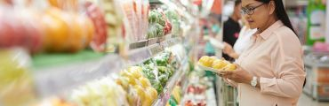 consumer shopping sustainably grown